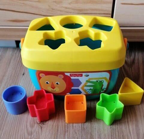 Obrázek plastové hračky kčlánku Hračka, která batolatům nedává smysl